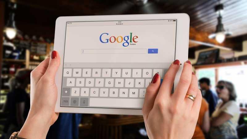 Pengguna Internet yang Kaya dan Berpendidikan Tumbuh Paling Tinggi