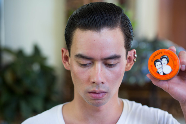 Kapan Memakai Pomade: Saat Rambut Kering atau Basah?