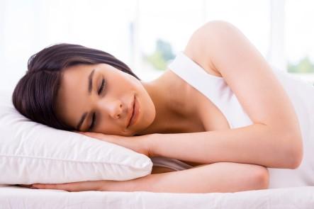 Posisi Tidur Mana yang Lebih Baik: Miring ke Kiri Atau Kanan?