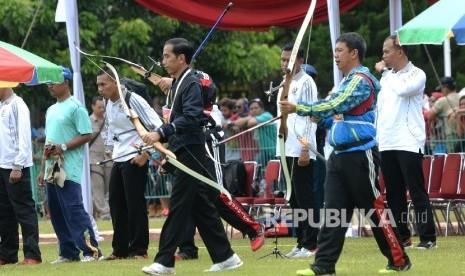Jokowi Hadiri Pernikahan Anak Pelatih Panahnya