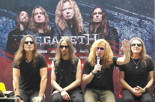Megadeth Akan Melelang Gitar untuk Korban Gempa Donggala - Palu