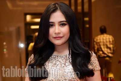 Air Mata Prilly Latuconsina Tumpah di Resepsi Pernikahan Laudya Cynthia Bella
