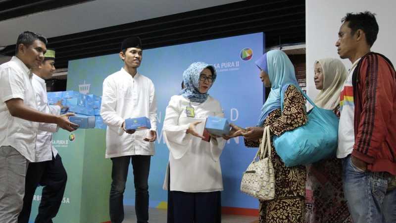 Takjil Gratis di Bandara Soekarno-Hatta