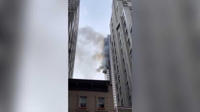 Lantai 50 Apartemen Milik Donald Trump Kebakaran