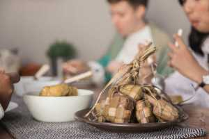 Kalap Makan Hidangan Lebaran? Jangan Lupa Periksa Kesehatan