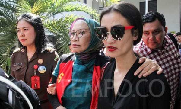Ratna Sarumpaet Divonis 2 Tahun, Ini Tanggapan Atiqah Hasiholan