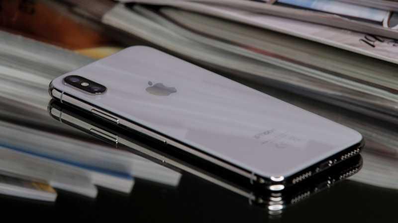 Akal-akalan Menyebalkan di Antrean iPhone X