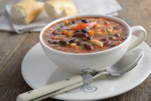 Bosan Dengan Sop Ayam? Coba 4 Resep Sop yang Unik dan Sehat Ini!