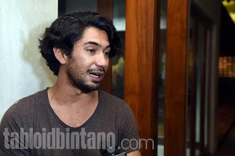 Alasan Reza Rahadian Tertarik Main Film Horor Gerbang Neraka
