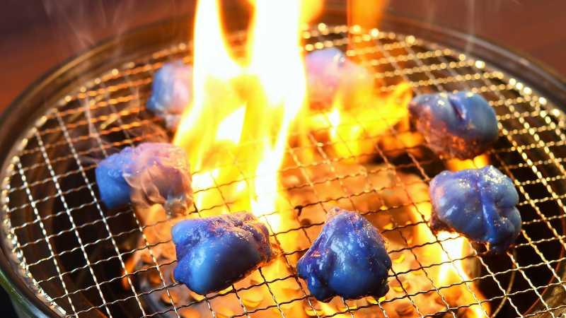 Restoran di Jepang Hadirkan Daging Berwarna Biru