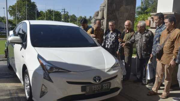 Toyota Prius dan Cerahnya Prospek Mobil Hybrid di Indonesia
