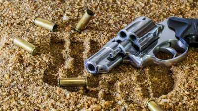 Balita di AS Tak Sengaja Tembak Ayahnya yang Sedang Tertidur