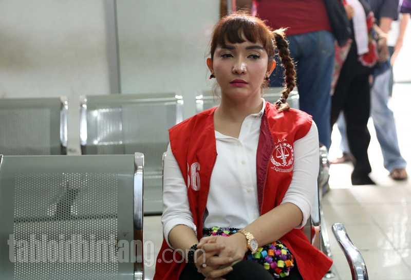 Rumah Dibobol Maling, Roro Fitria Kehilangan Berlian dari Leluhur?