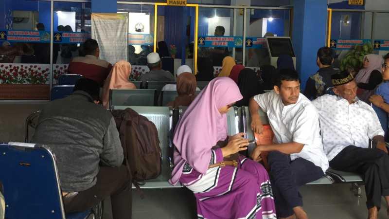Harga Tiket Pesawat Domestik Mahal, Dongkrak Pemohon Paspor di Aceh