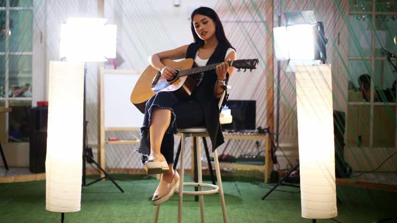 Album 'Oxygen' Gambarkan Jati Diri dan Kegalauan Maudy Ayunda