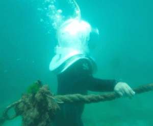 Bukan Berenang, Bukan Menyelam, Tapi Berjalan di Dasar Laut di Tanjung Benoa