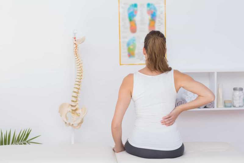 4 Penyebab Punggung Sakit Saat Bernapas, Plus Cara Mengatasinya