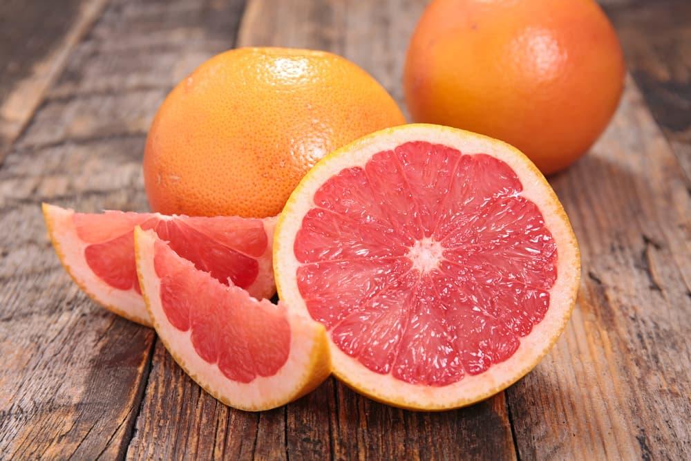 Bahaya Makan Jeruk Bali Merah (Grapefruit) Setelah Minum Obat