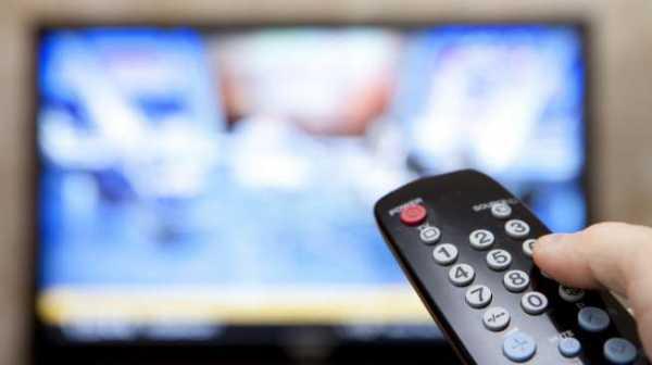 Tayangkan Belahan Dada Presenter, KPID Tegur 2 Stasiun Televisi