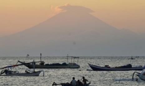 Gunung Agung Punya Sejarah Erupsi yang Luar Biasa