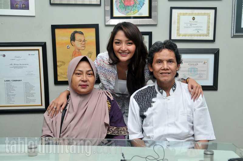 Siti Badriah Kepincut Jadi Penyanyi Dangdut Setelah Ikut Orkes Keliling Ayahnya