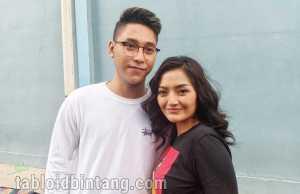 Diet Gagal, Busana Prewed Siti Badriah Terpaksa Dirombak