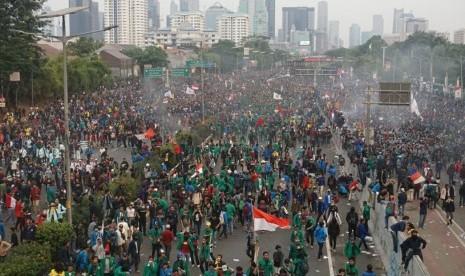 Demo Hari Ini, Polisi Alihkan Lalu Lintas di Sekitar DPR