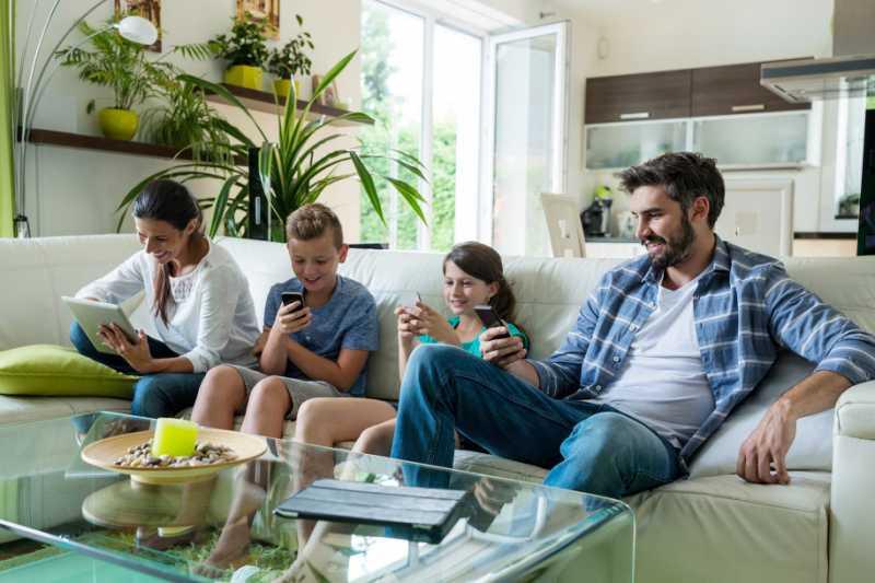 Hey Orangtua! Anakmu Minta Stop Main Ponsel