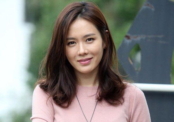 Kisah Kegalauan Son Ye Jin Soal Karir