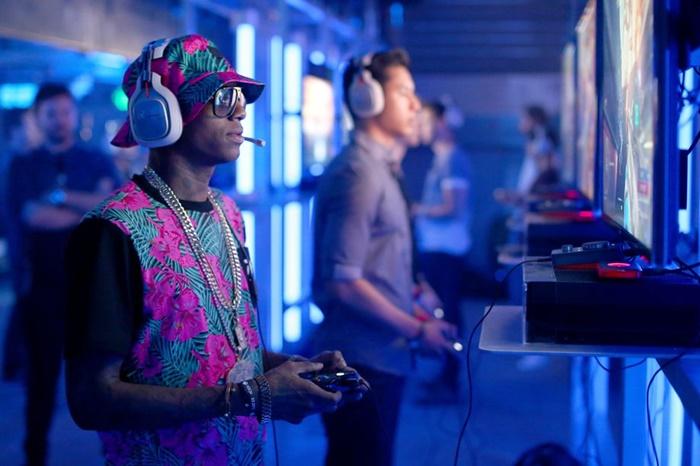 Unik! Rapper Ini Jualan Konsol Game Buatan Sendiri