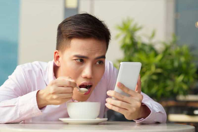 Tips Menghadapi Pasangan yang Kecanduan Gadget
