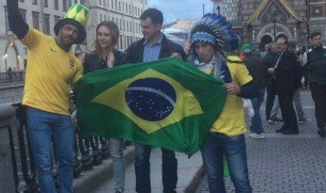 Fan Brasil Ejek Argentina dan Messi