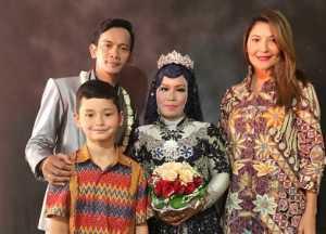 Hadiri Pernikahan Pengasuh Putranya, Tamara Bleszynski Banjir Pujian