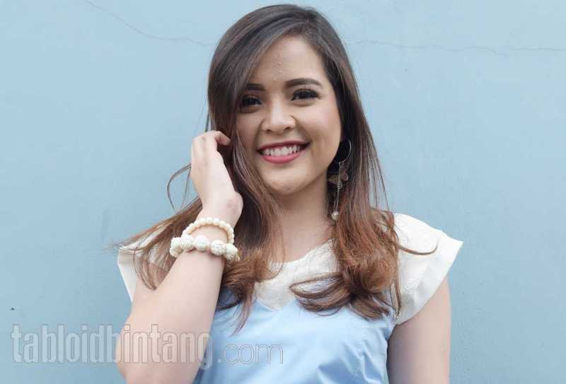 Foto Prewedding, Tasya Kamila Cantik dengan Dandanan Ala Minang
