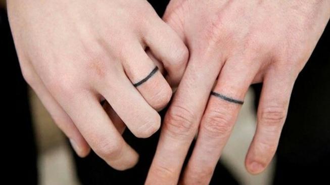 Drama Merajah Tubuh dengan Tato (Nama) Pasangan
