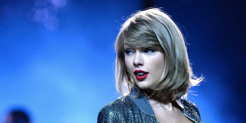 Taylor Swift Bantu Penggemarnya Membayar Uang Kuliah Sebesar Rp.56 Juta