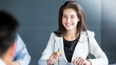 Alasan Memilih Karier daripada Cinta Bisa Bikin Lebih Bahagia