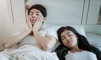 Kurang Tidur Turunkan Gairah Seks