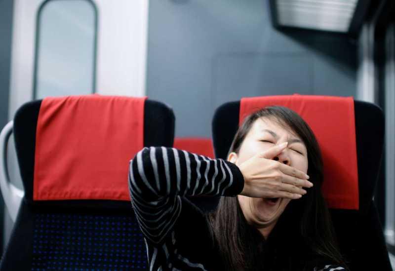 5 Trik Sederhana Supaya Bisa Tidur Nyenyak di Pesawat