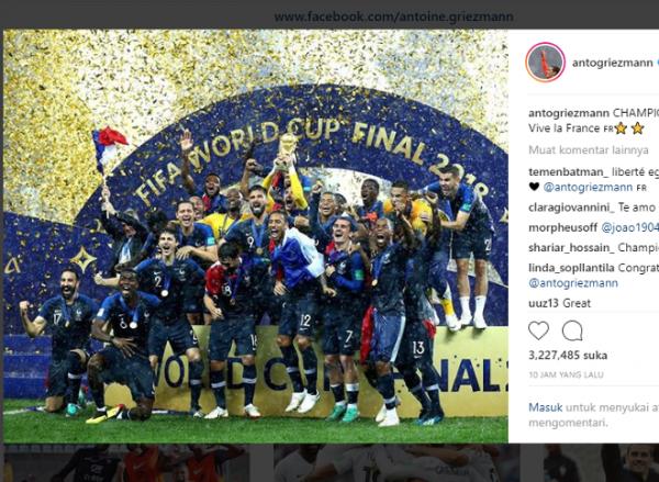 5 Pose Kocak Pemain Prancis dengan Trofi Piala Dunia 2018