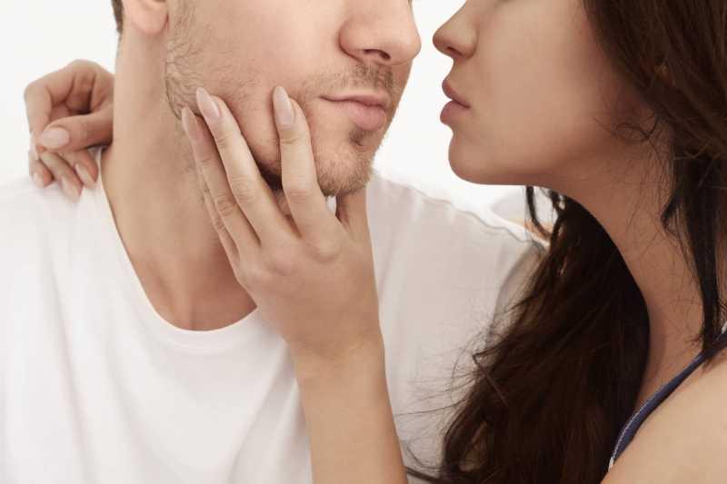 7 Tips Intim Agar Lebih Mesra dengan Pasangan