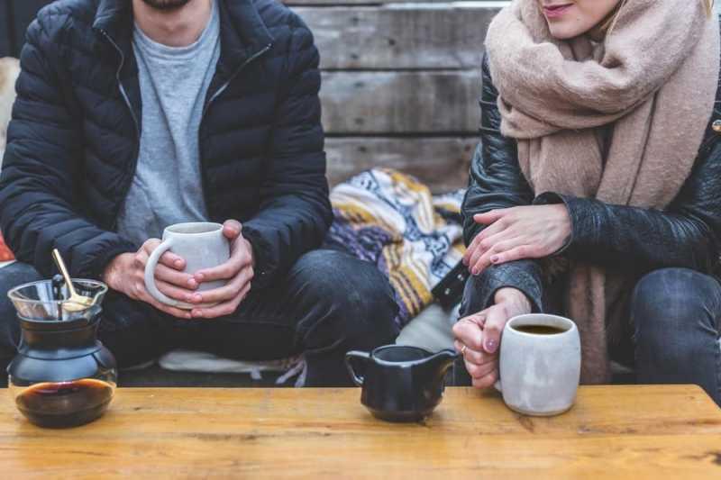 Tips Mendekati Pria yang Jauh Lebih Tua