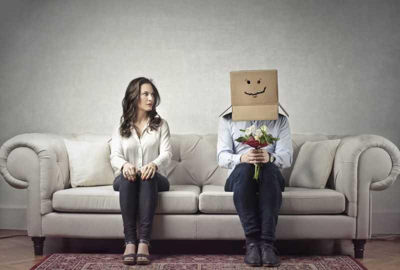 Tips Menghadapi Pasangan yang Sangat Pemalu