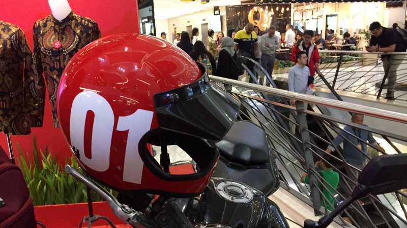 Jaket Bomber Jokowi Laku Terjual Rp 20 Juta