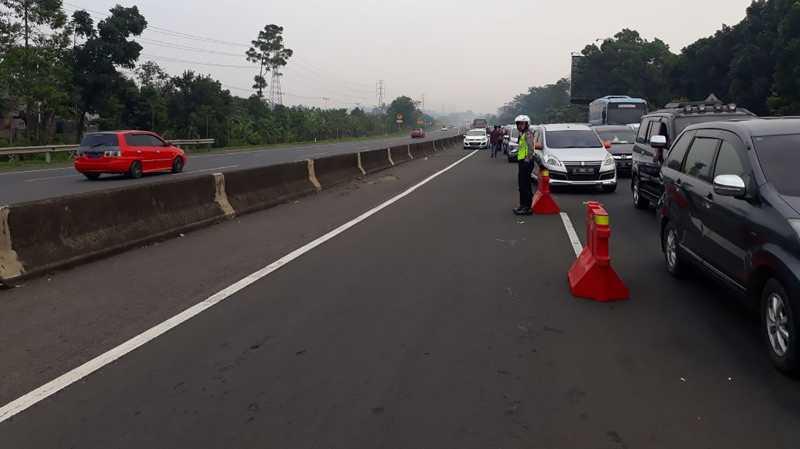 Kendaraan Antre 2 Km di Exit Tol Ciawi Menuju Kawasan Puncak Bogor
