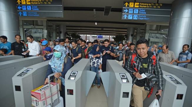 Keluhan Pengguna pada Uji Coba Kereta Bandara Soetta