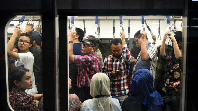 Tarif MRT & LRT Diusulkan Gratis, Bisa Atasi Kemacetan Jakarta?