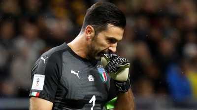 Tangis di Akhir Karier Buffon Bersama Italia