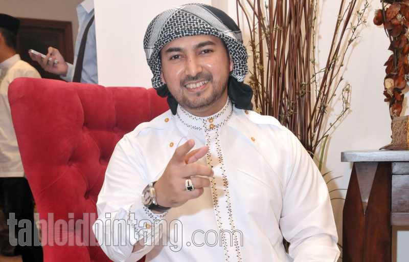 Ustadz Al Habsyi Resmi Bercerai dengan Putri Aisyah Aminah