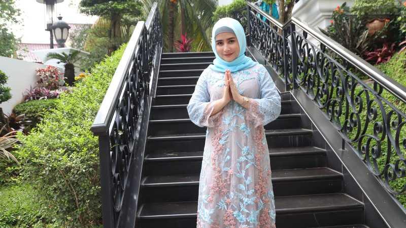 Curhat Prilly Latuconsina yang Kerepotan Mengenakan Hijab Saat Lebaran